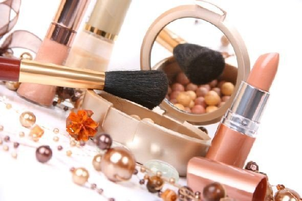 Ethyl Acetate in Cosmetics